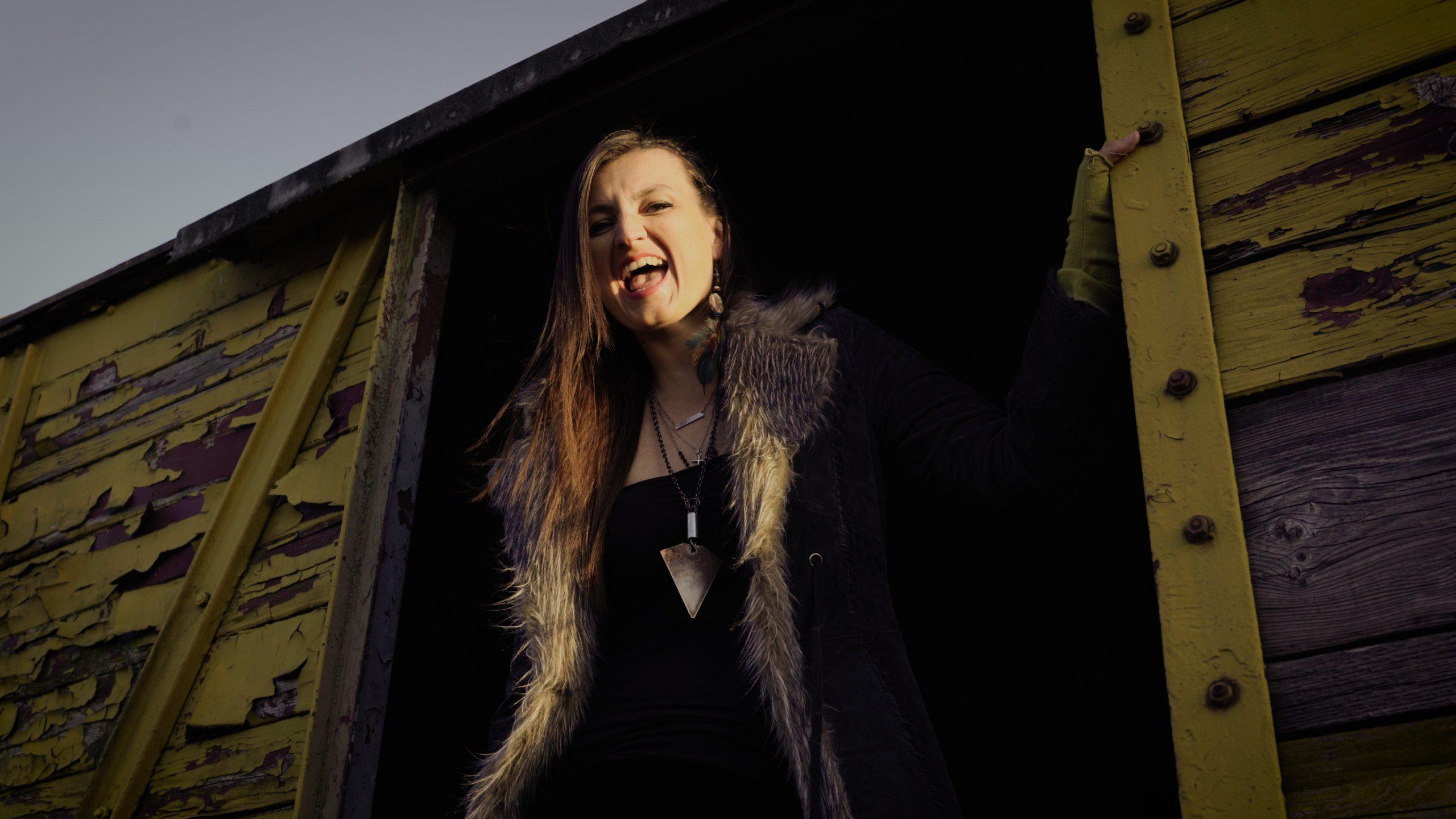 """Sunnysiders novim mračnim singlom """"No Pockets In The Grave"""" podsjećaju na prolaznost života i važnost nematerijalnih vrijednosti"""